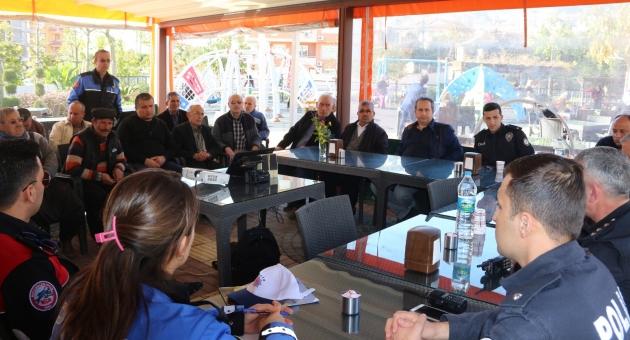 Alanya polisi huzur toplantılarına devam ediyor