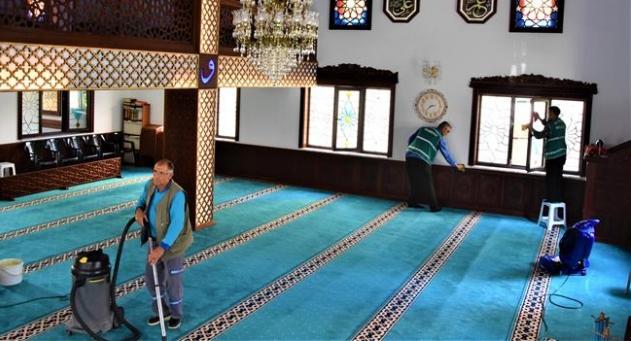 Alanya Belediyesi'nden ibadethanelerde temizlik çalışması