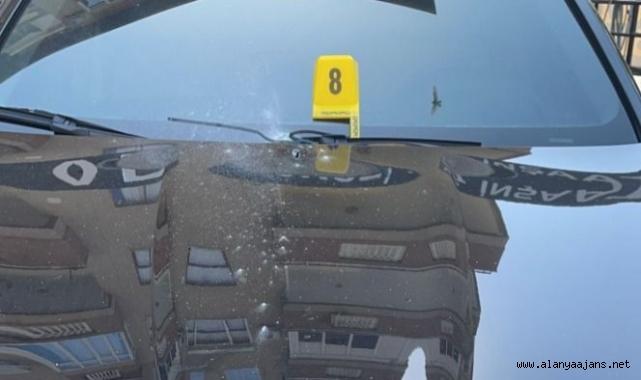 Alanya'da lüks araç kurşunlandı