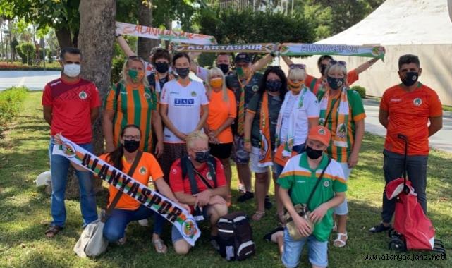 Alanya'da yerleşik yabancılar Alanyaspor'u izlemek istiyor