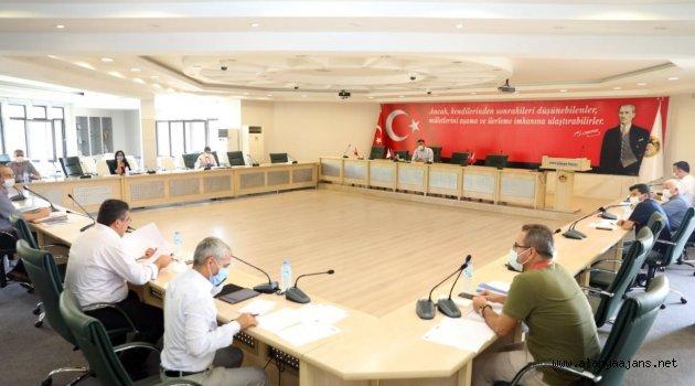 Alanya Belediyesi encümen toplantısına koronavirüs ayarı