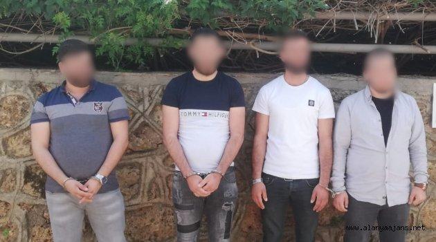 Alanya'da 2 evi soyan hırsızlıklar jandarmadan kaçamadı