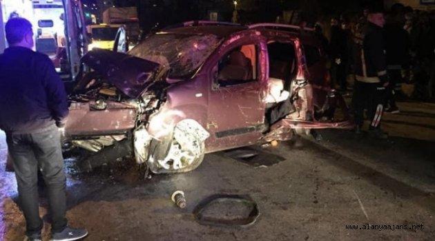 Alanya'da feci kaza: 3 yaralı