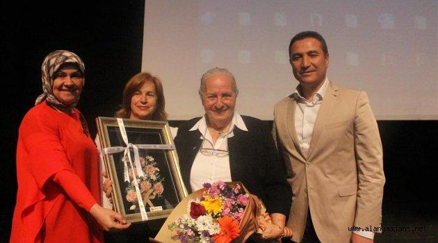 Alanya'da Kazım Karabekir'in kızı İstiklal Harbi'ni anlattı