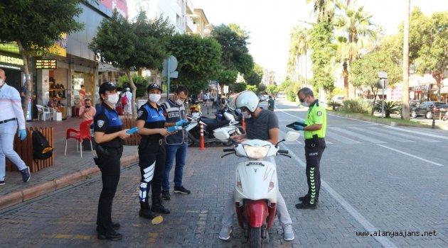 Alanya'da motosiklet sürücülerine ceza yağdı