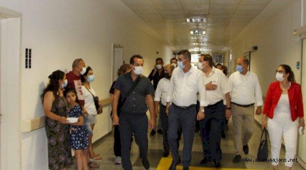 Alanya'da ülkücüler sağlıkçıları unutmadı
