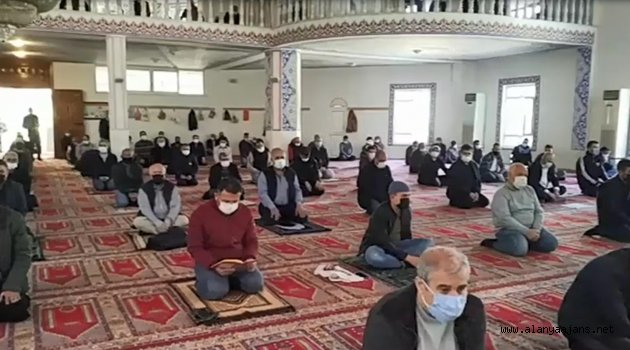 Alanya Müftülüğü, Bitlis şehitleri için dua programı düzenledi