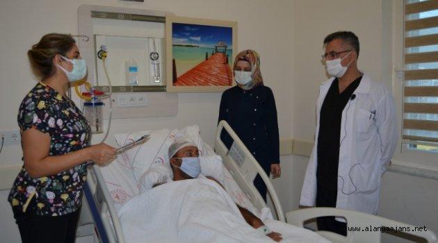 Alanya'da baş dönmesi şikayetiyle gitti, beyninde tümör çıktı