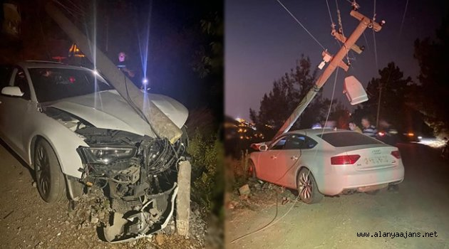 Alanya'da kaza: Otomobil elektrik direğine vurdu