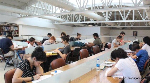 Alanyalı öğrenciler o kütüphaneden vazgeçemiyor