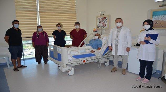 ALKÜ'de hastanın kendi akciğeri kendine yeniden nakledildi