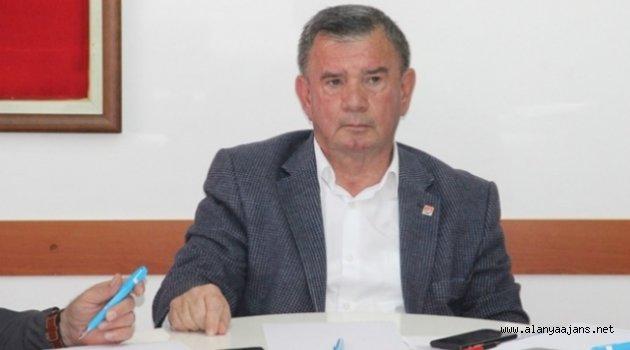 CHP'den Atatürk posteri saldırısına tepki