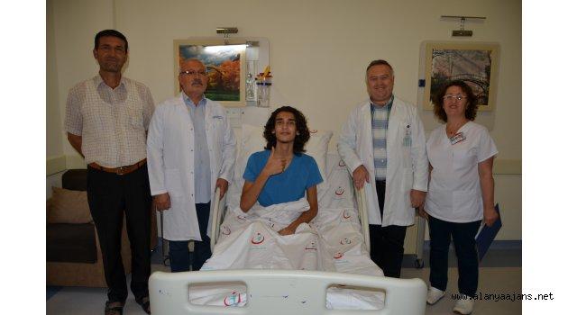 """Kapalı """"Kunduracı Göğsü"""" ameliyatı ilk kez yapıldı"""