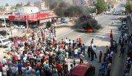 Kazaları Protesto Eden Grup Yolu Trafiğe Kapattı