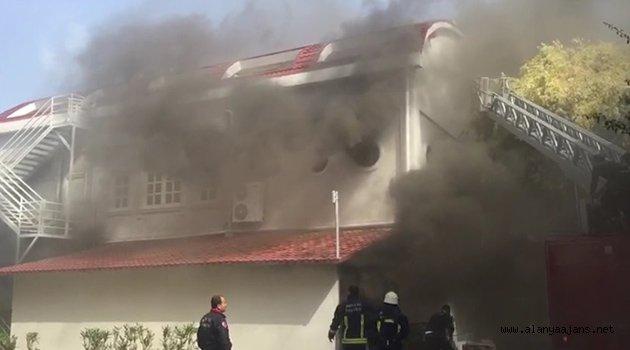 İncekum'daki otelde korkutan yangın