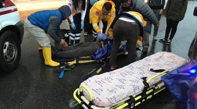 Kamyonetin çarptığı yaya yaralandı