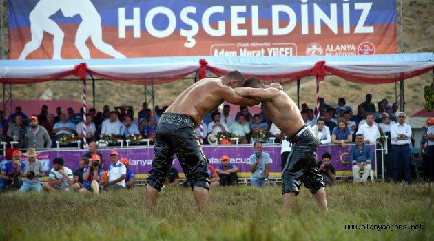 Kırkpınar'ın Şampiyonu Gökbel'de Güreşecek