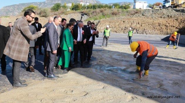 Mahmutlar'a yeni okulun temeli atıldı