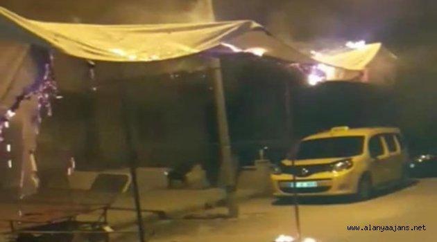 Mahmutlar'da pazarcı çadırını yaktılar