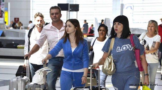 Pandemiye rağmen Alanya GZP'ye rekor uçuş