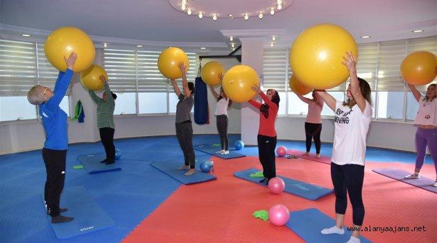 Pilates, zumba ve fitness kursları başladı