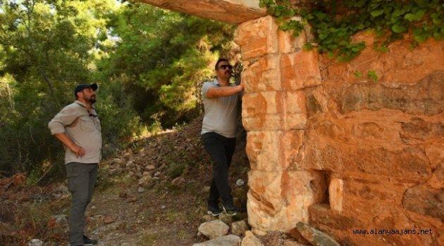 Rektör Kalan Alanya Syedra Antik Kenti'nde incelemelerde bulundu