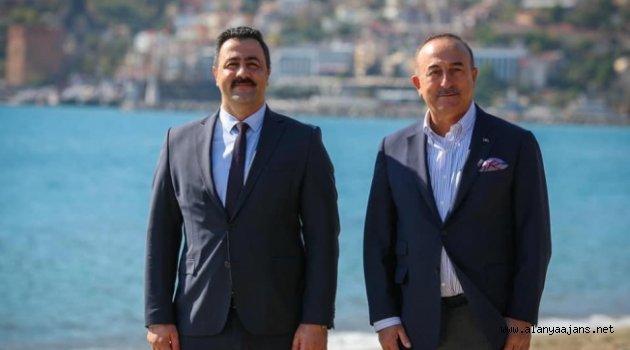 Rektör Kalan, Bakan Çavuşoğlu ile bir araya geldi