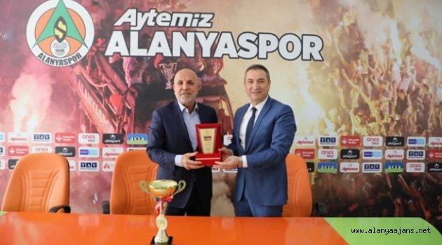 Şampiyonlardan Çavuşoğlu'na Ziyaret