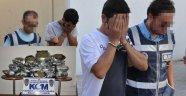 79 KİLO ESRARIN SEVKİYATÇILARI TUTUKLANDI