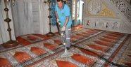 Camilere bayram temizliği