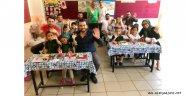 AK Gençlik ilk gün öğrencilerle birlikteydi