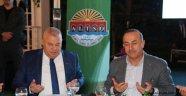 """Bakan Çavuşoğlu: """"Tehditlere boyun eğmiyoruz"""""""