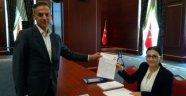 Akçalıoğlu, Ak Parti Gentl Merkezine Başvurdu