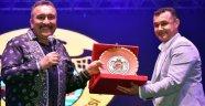 Gökbel'de Sanatçılar Başkan Yücel'e Destek İstedi