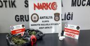 Alanya'da polisin durdurduğu TIR'da uyuşturucu ele geçirildi