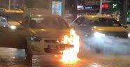 Alanya'da seyir halindeki otomobil cayır cayır yandı