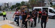 Alanya'da 2'si kadın 4 uyuşturucu şüphelisine gözaltı