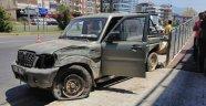 Alanya'da feci kaza! 2 araç çarpıştı