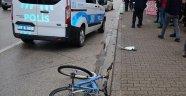 Alanya'da otomobilin çarptığı bisikletli Rus kadın yaralandı