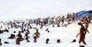 Alanya'nın plajları doldu taştı!
