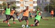 Alanyapor Başakşehir'e Bileniyor