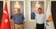 Başkim Prof. Dr. Hüseyin Lakadamyalı ve ekibi Ak Parti Alanya İlçe Teşkilatı'nı ziyaret etti