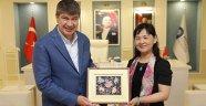 Çinli kardeş şehir heyeti Başkan Türel'i ziyaret etti