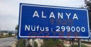 Göztepe taraftarından Alanya tabelasına çirkin saldırı!