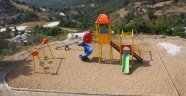 Kırsalda çocuk parkı heyecanı