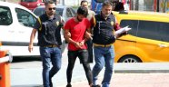 Para Dolu Çantayı Çalan Hırsız Yakalandı