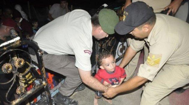 Tirolden Bozma Teknede 260 Suriye ve Iraklı Mülteci Yakalandı