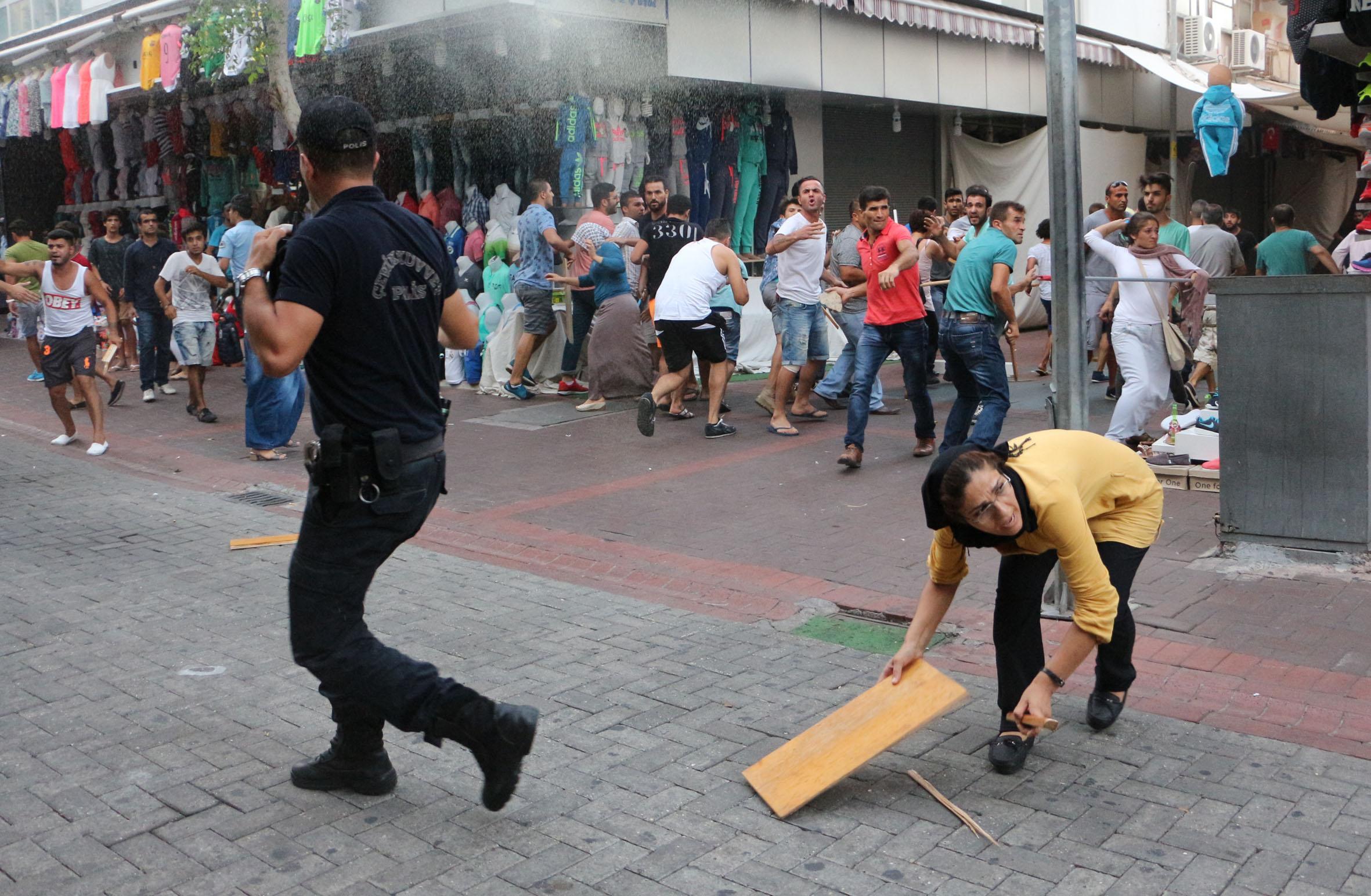 TERÖR ÖRGÜTÜ PKK PROTESTO EDİLİYOR